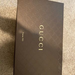 AUTHENTIC pre-loved: Gucci Juliette Silver Sandals